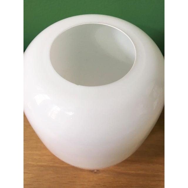 Timo Sarpaneva Vintage Timo Sarpaneva Jurmo White Glass Vase For Sale - Image 4 of 7