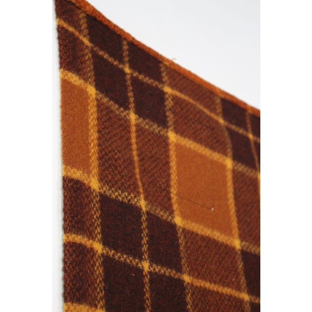 1960s Vintage Royal Robinwul Plaid New Zealand Wool Throw Blanket For Sale In Los Angeles - Image 6 of 7