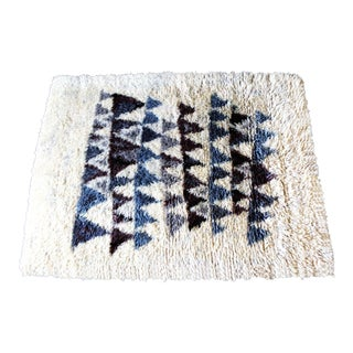 1970s Mid Century Modern Scandinavian Rya White Blue and Brown Triangle Pattern Rug For Sale