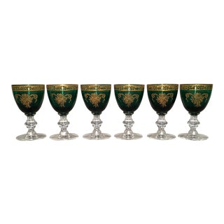 1930s Emerald Green Cordial Glasses With Gold Embellishments - Set of Six For Sale