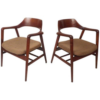 Mid-century Modern Sculpted Side Chairs by Gunlocke - a Pair Preview