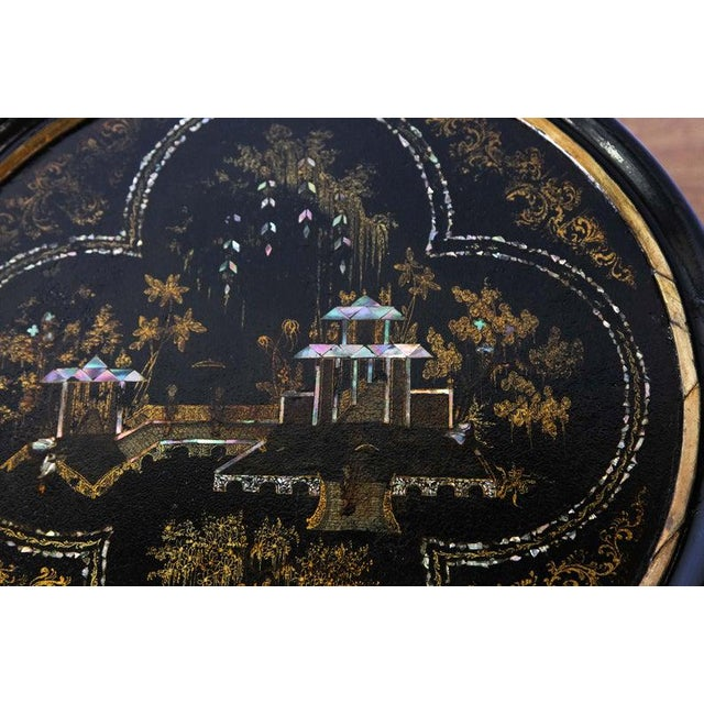 English 1880s Round Chinoiserie Occasional Table For Sale - Image 3 of 8
