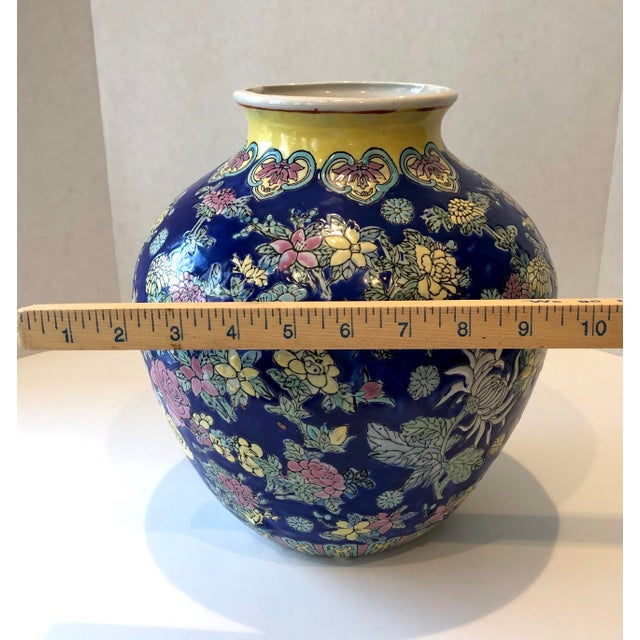 Vintage Blue Chinoiserie Ceramic Vase For Sale In New York - Image 6 of 12