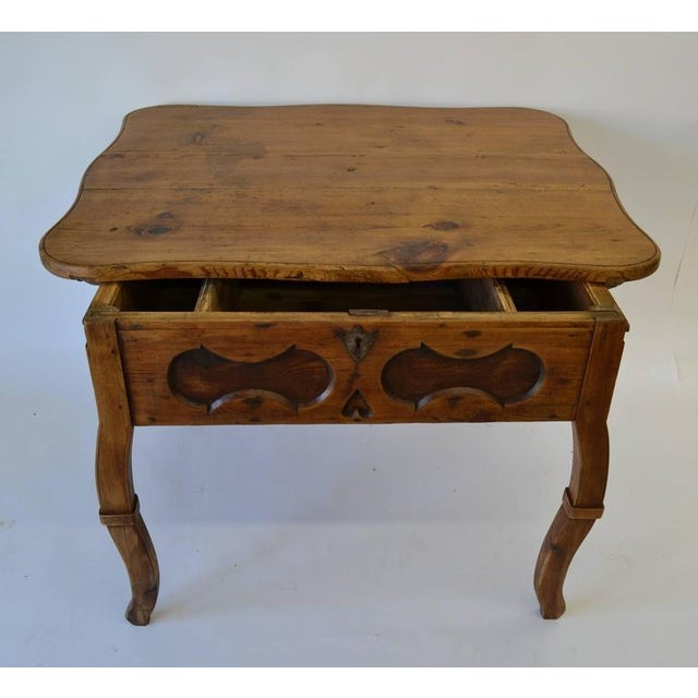 Pitch Pine and Oak Baroque Revival Centre Table For Sale In Washington DC - Image 6 of 8