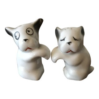 Vintage Small White Dogs Shakers - A Pair For Sale
