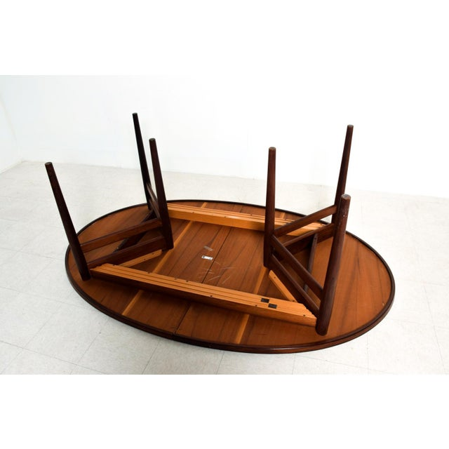 Mid Century Danish Modern Rosewood Oval Dining Table by Arne Vodder for Sibast For Sale In San Diego - Image 6 of 9