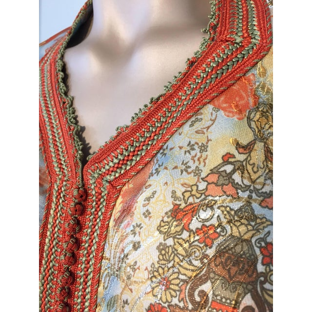 Moroccan Floral Brocade Multicolored Embroidered Kaftan, 1970s, Caftan For Sale - Image 4 of 11