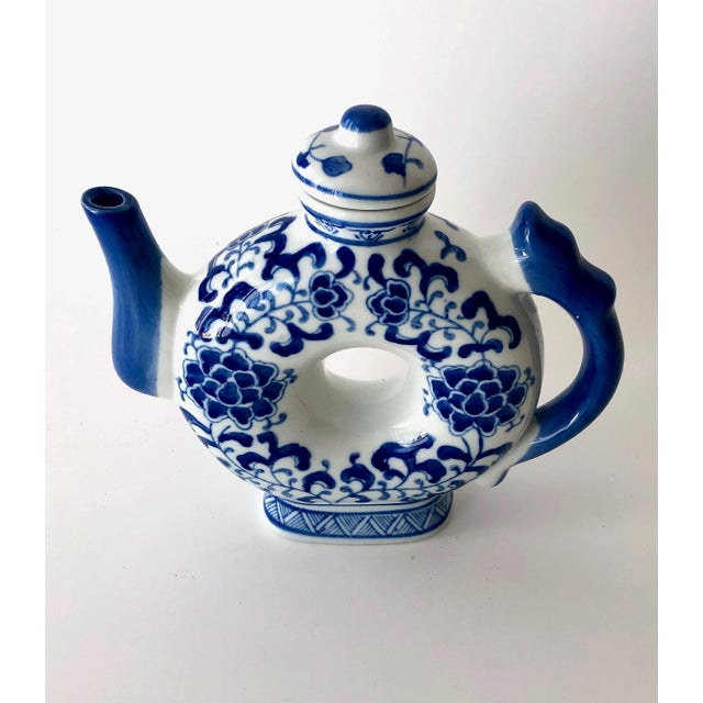 Round Teapot in Blue and White Chinoiserie For Sale - Image 4 of 11
