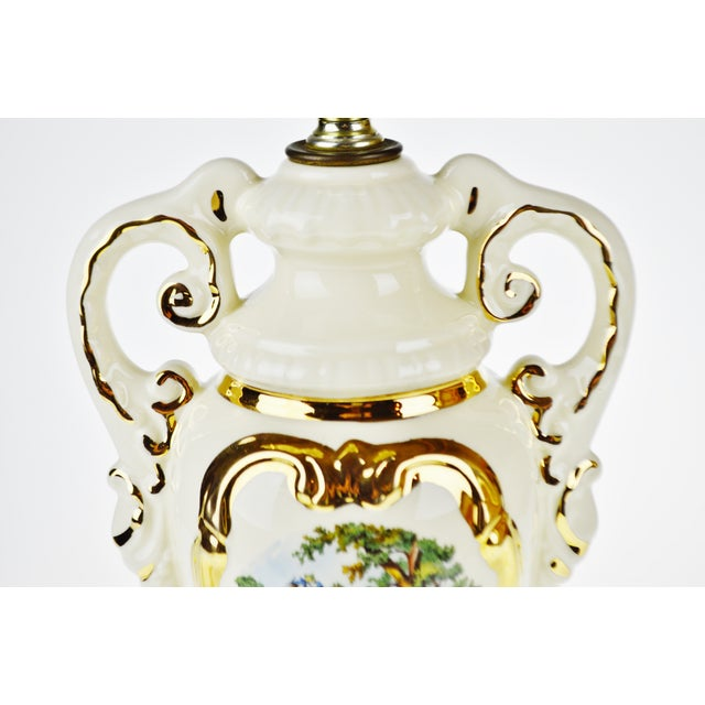French Victorian Ulrich Style Porcelain and Gilt Table Lamp For Sale - Image 4 of 9