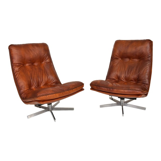 Mid Century Modern Pair of James Bond Arm Chairs by De Sede, Model S 231 For Sale