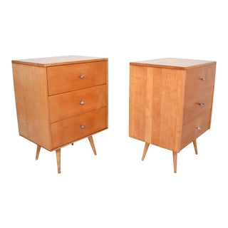 1950s Paul McCobb Maple Wood Lacquered Dressers With Silver Pulls - a Pair For Sale