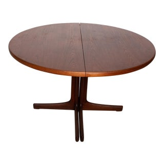 Mid Century Danish Modern Oval Teak Dining Table For Sale