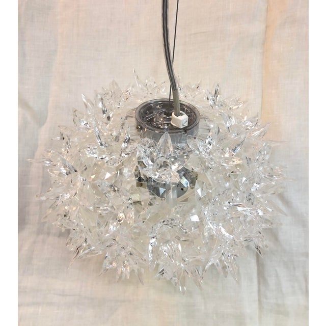 Kartell Bloom S2 Transparent Crystal Pendant - Showroom Sample Light pendant with transparent polycarbonate flowers and a...