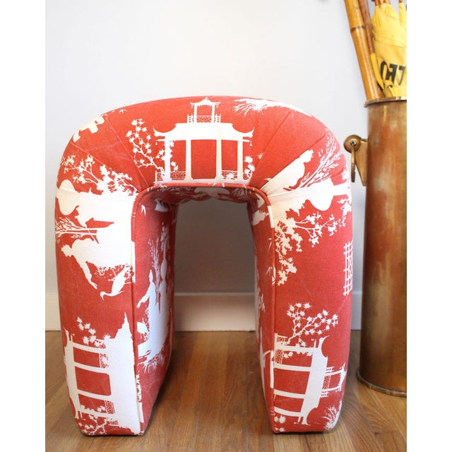 Wood Mid-Century Kagan Style Waterfall Bench Stool in Vintage Red Reverse Toile Chinoiserie Linen For Sale - Image 7 of 8