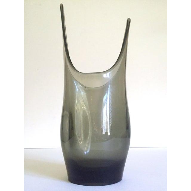 Mid-Century Modern Vintage 1959 Mid Century Modern Rare Smoke Gray Elmer Miller Hand Blown Viking Art Glass Vase For Sale - Image 3 of 13