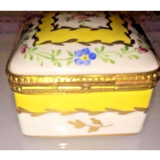 1970s Vintage Limoges Yellow & White Floral Box For Sale - Image 5 of 13