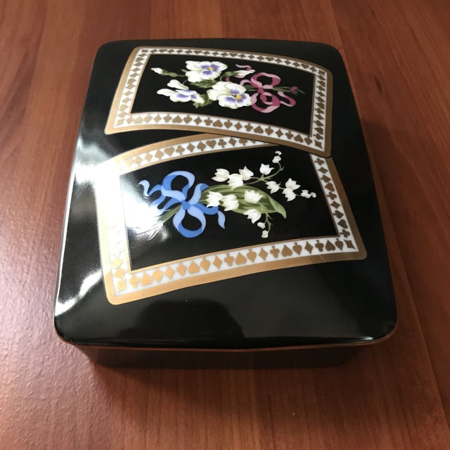 Late 20th Century Vintage Sybil Connolly Tiffany & Co Ceramic Floral Playing Card Holder Case For Sale - Image 5 of 11