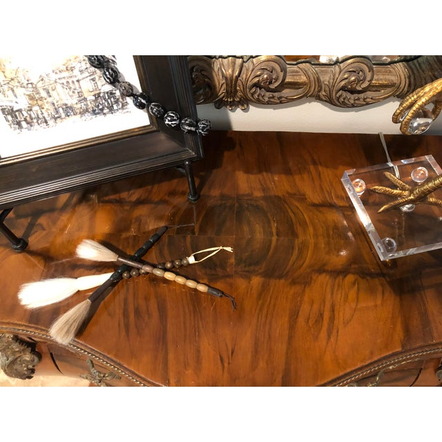 Traditional Antique Burl Wood Bombay Chest With John Richard Mirror For Sale - Image 3 of 11