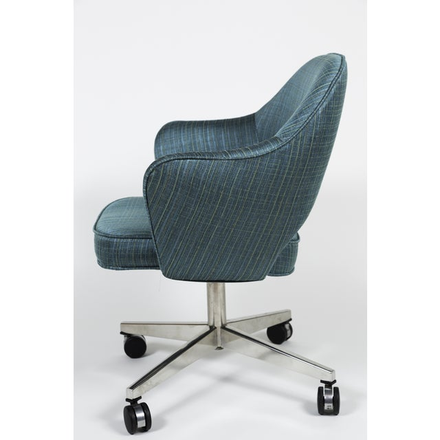 Vintage Saarinen Executive Armchair Swivel Base - Image 5 of 5