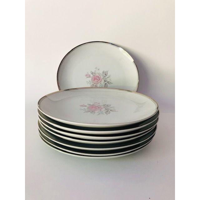 "1960s Vintage Empress China Japan ""Rosetta"" Pattern Set of 8 Dinner Plates For Sale - Image 5 of 5"