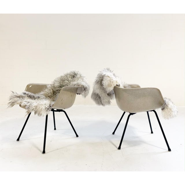 Mid-Century Modern 1950s Charles and Ray Eames for Herman Miller Dax Chairs - a Pair For Sale - Image 3 of 7