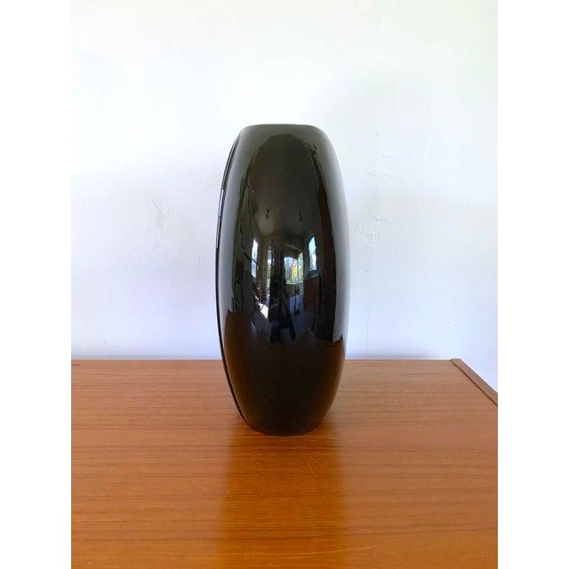 1980s 1980's Vintage Black Vase For Sale - Image 5 of 8
