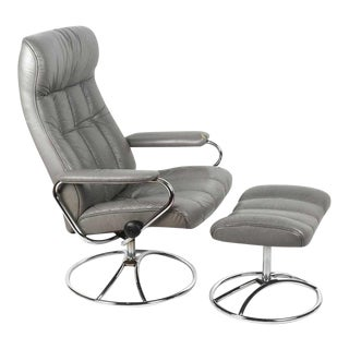 Modern Ekornes Stressless Chrome and Leather Lounge Chair Ottoman Set For Sale