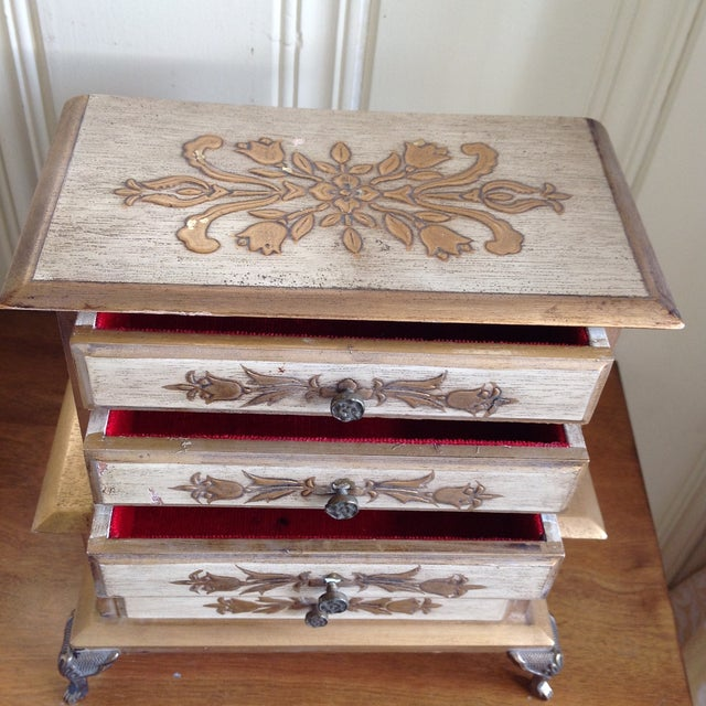 Florentine Mid-Century French Provincial Jewelry Box For Sale - Image 4 of 9