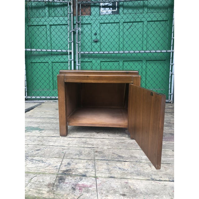 Lane Furniture 1970s Mid Century Modern Walnut Nightstand by Lane For Sale - Image 4 of 10