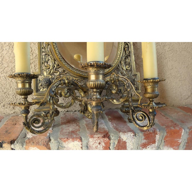 Antique French Brass Wall Sconce Light Fixture Beveled Oval Mirror Art Nouveau For Sale - Image 10 of 12