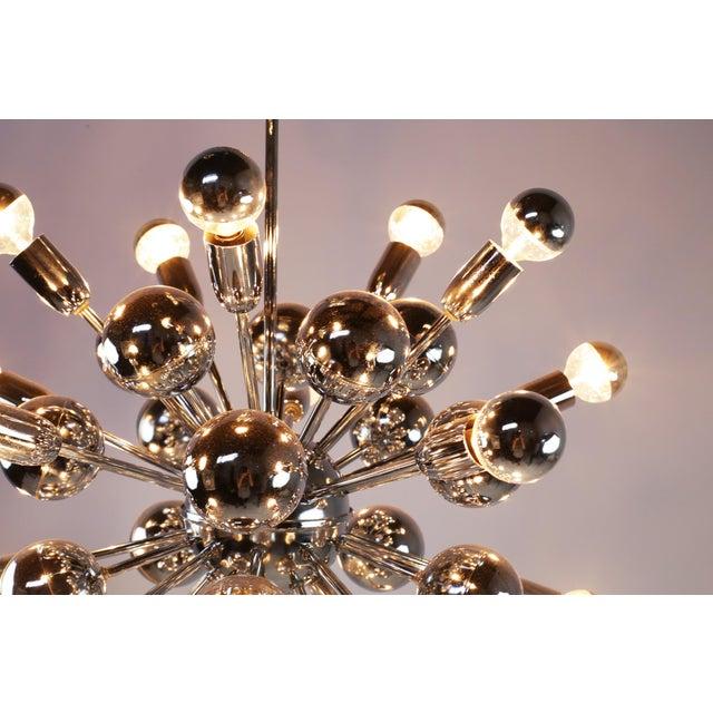 Lightolier Mid-Century Lightolier 20 Light Sputnik Chandelier For Sale - Image 4 of 9