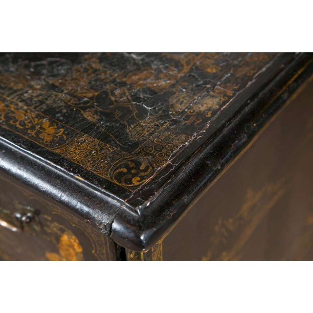 19th-C. Chinoiserie Knee Hole Desk For Sale - Image 4 of 9