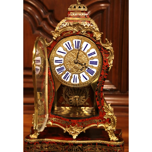 Mid-20th Century French Tortoiseshell and Bronze Boulle Mantel Clock With Base For Sale In Dallas - Image 6 of 11