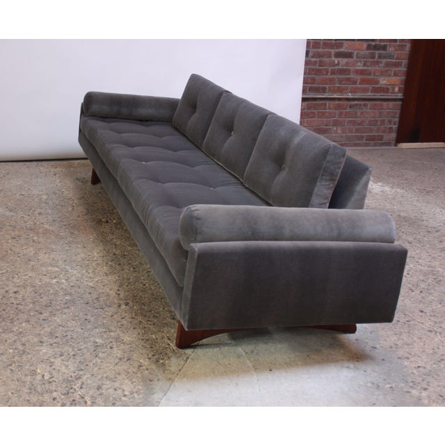 1960s Adrian Pearsall for Craft Associates 'Gondola' Sofa in Walnut and Velvet For Sale - Image 5 of 13