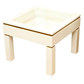 1980s Modern Casa Bella White Lacquered Lighted Object Display Table