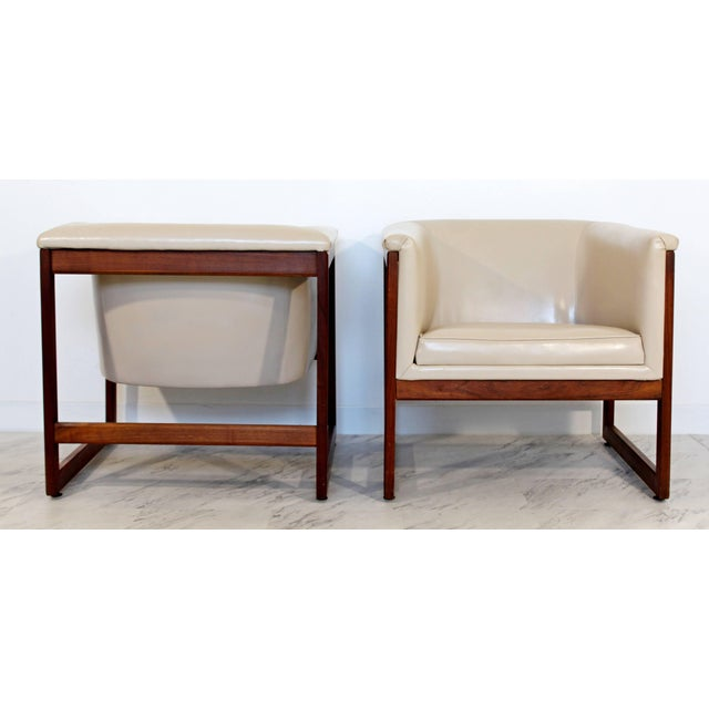 Plastic Pair of Mid-Century Modern Milo Baughman Floating Cube Walnut Lounge Chairs For Sale - Image 7 of 10