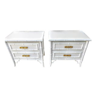 A Pair of Dixie Aloha Vintage White Gloss Faux Bamboo Palm Beach Regency Nightstand Tables For Sale