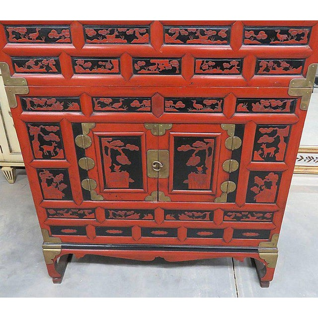 Antique Asian cabinet with four drawers and four doors. - Exquisite Antique Asian Cabinet DECASO