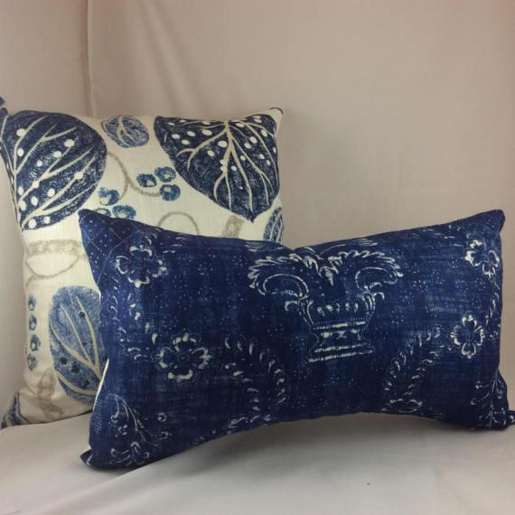 "Contemporary William Yeoward ""Astasia"" in Navy Ikat Block Print Floral Pillows - a Pair For Sale - Image 3 of 6"