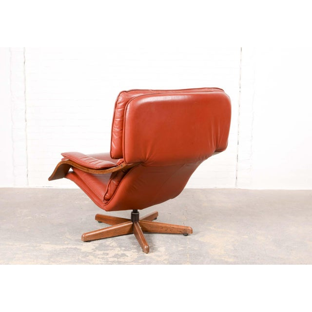 Majestic Mid-Century Design Scandinavian Swivel Relax Maroon Leather Lounge Chair, 1960s For Sale - Image 4 of 8