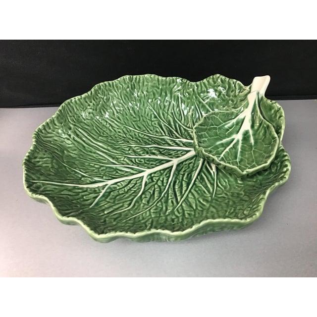 "Mediterranean Mid-Century Portuguese Green ""Cabbage Leaf"" Chip & Dip or Crudité Platter For Sale - Image 3 of 8"