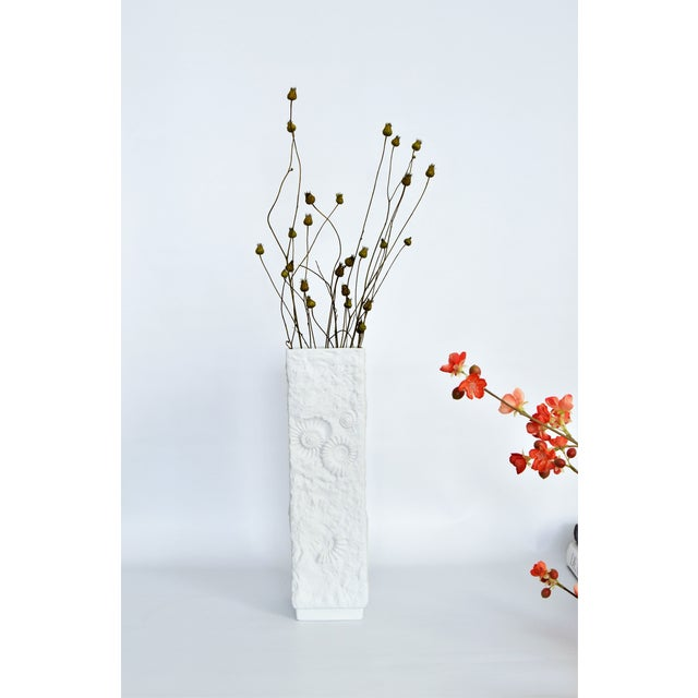 White Ceramic Porcelain Mid Century Organic Modern Tall Vase by Ak Kaiser--Boho Chic Coastal Tropical For Sale - Image 9 of 11