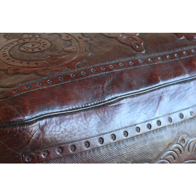 1970s Extra Large Vintage Hand Tooled Peruvian Saddle Leather Angel Pazmino Style Ottoman For Sale - Image 5 of 12