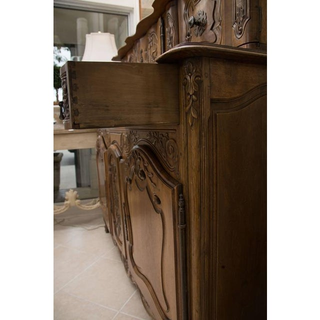 20th Century, French, Louis XV Style Walnut Buffet with Super Structure For Sale In West Palm - Image 6 of 10