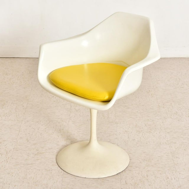 Knoll Vintage Eero Saarinen Tulip Dining Set - 5 Pieces For Sale - Image 4 of 10