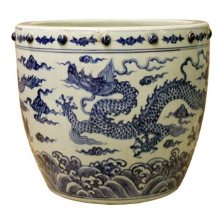 Chinese Off White Blue Glazed Dragon Graphic Porcelain Pot Planter For Sale