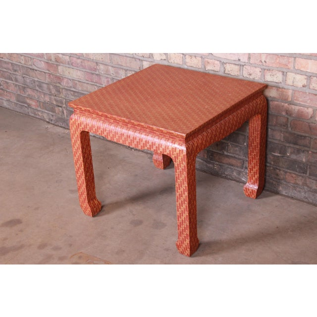 1970s Baker Furniture Mid-Century Hollywood Regency Red Lacquered Grass Cloth Side Table For Sale - Image 5 of 12