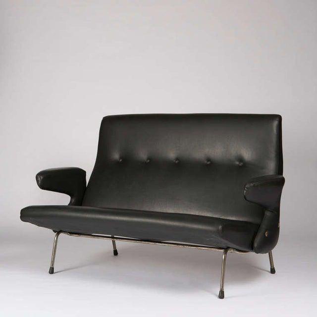 """Mid-Century Modern Rare """"Delfino"""" Sofa by Erberto Carboni for Arflex For Sale - Image 3 of 10"""