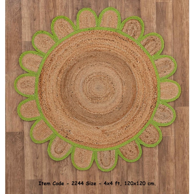 Textile 4'x4' Green Round Jute Scallop Rug For Sale - Image 7 of 9
