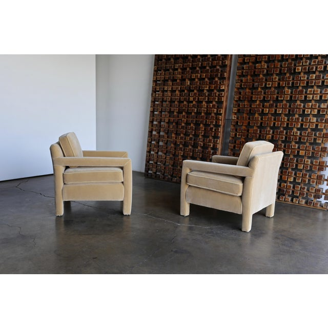 Late 20th Century 1970's Parsons Lounge Chairs in Mohair - a Pair For Sale - Image 5 of 13